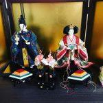 3月ですね(^▽^)/ 我が家の恒例は、ひな人形を・・・